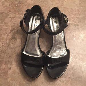 Delicacy Black heels shoes